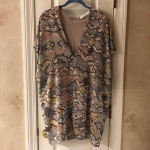 Karlie V-Neck Dress